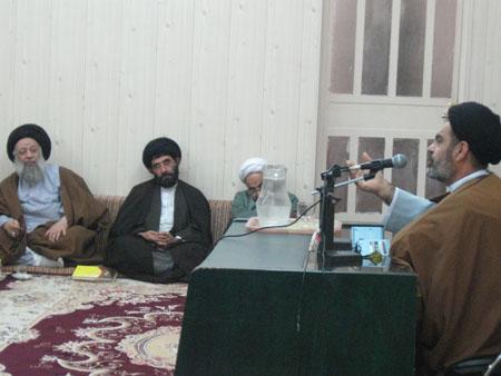 موسوی مسئول ستادعتبات خوزستان درجمع طلاب درس خارج