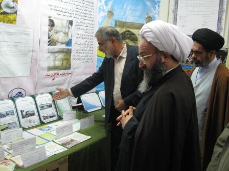 بازدید آیت الله حیدری از نمایشگاه ستاد بازسازی عتبات خوزستان