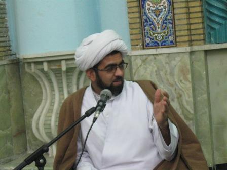 حجه الاسلام بحرانی درجمع زوارعازم عتبات